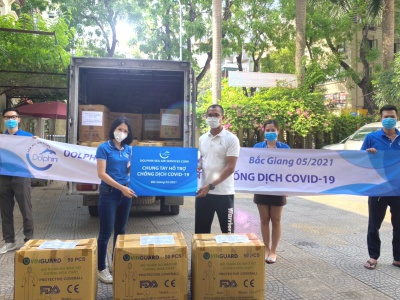 Dolphin Sea Air Services Corp. Supplies 700 sets of Personal Protective Equipment and 700 N-95 masks for Bac Giang Province to Fight Against Covid-19