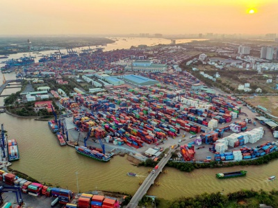 Vietnam's biggest port , Cat Lai, resumes normal operations after clearing pile-up